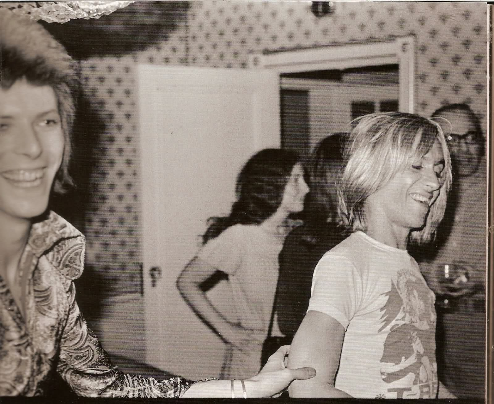 bowie and mick ronson relationship