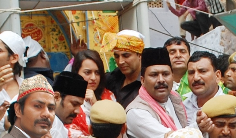 Hindi Film Actress Sonakshi Sinha At Ajmer Sharif Dargah