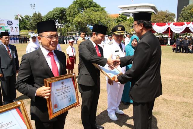 Trenggalek Raih Penghargaan Terbaik Lomba Pengelolaan Data Bencana Pada Peringatan HUT 72 Provinsi Jawa Timur