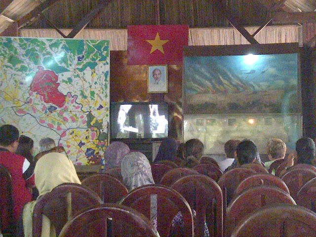 Saigon Bhg 2 : Lawatan ke Terowong Cu Chi & Bandar Saigon