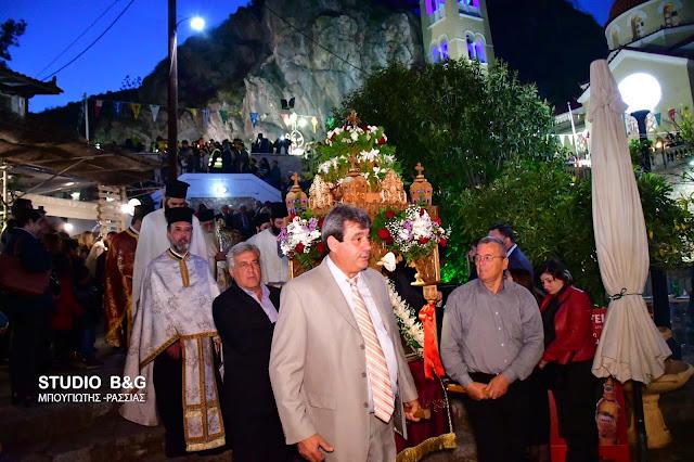 Γιορτάζει το Κεφαλάρι τη Ζωοδόχο Πηγή (βίντεο)