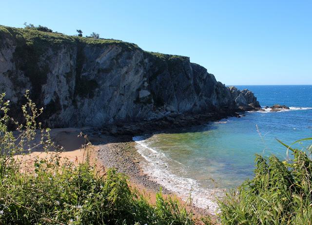 Playa de Covachos. Costa Quebrada. Cantabria