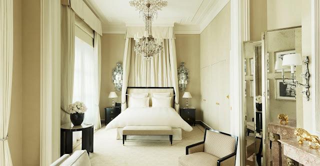 Люкс «Suite Coco Chanel», разработанный Карлом Лагерфельдом в отеле Ритц в Париже