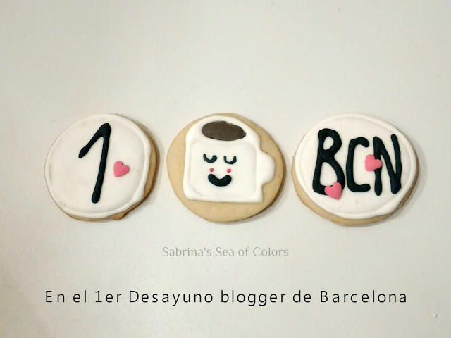 Galletas_de_mantequilla_y_decoración_con_glasa_real_royal_icing