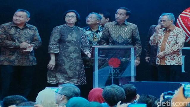 Bikin Kaget, Bel Penutupan Perdagangan Saham 'Kesenggol' Ajudan Jokowi