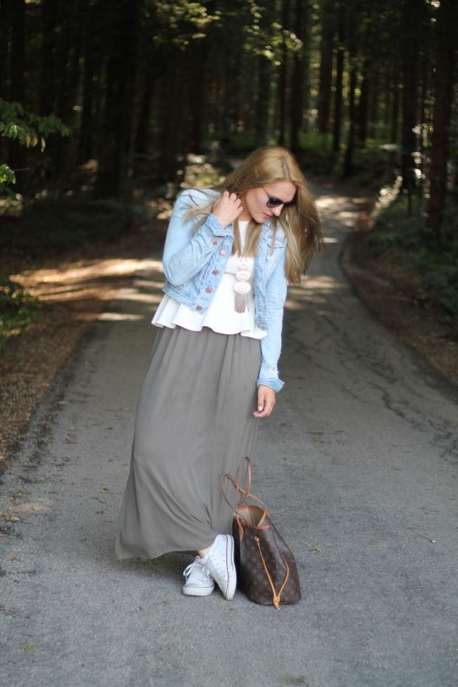 finest selection 449dc f0018 Lavender Star: Outfit: Olivgrüner Maxirock & Peplum