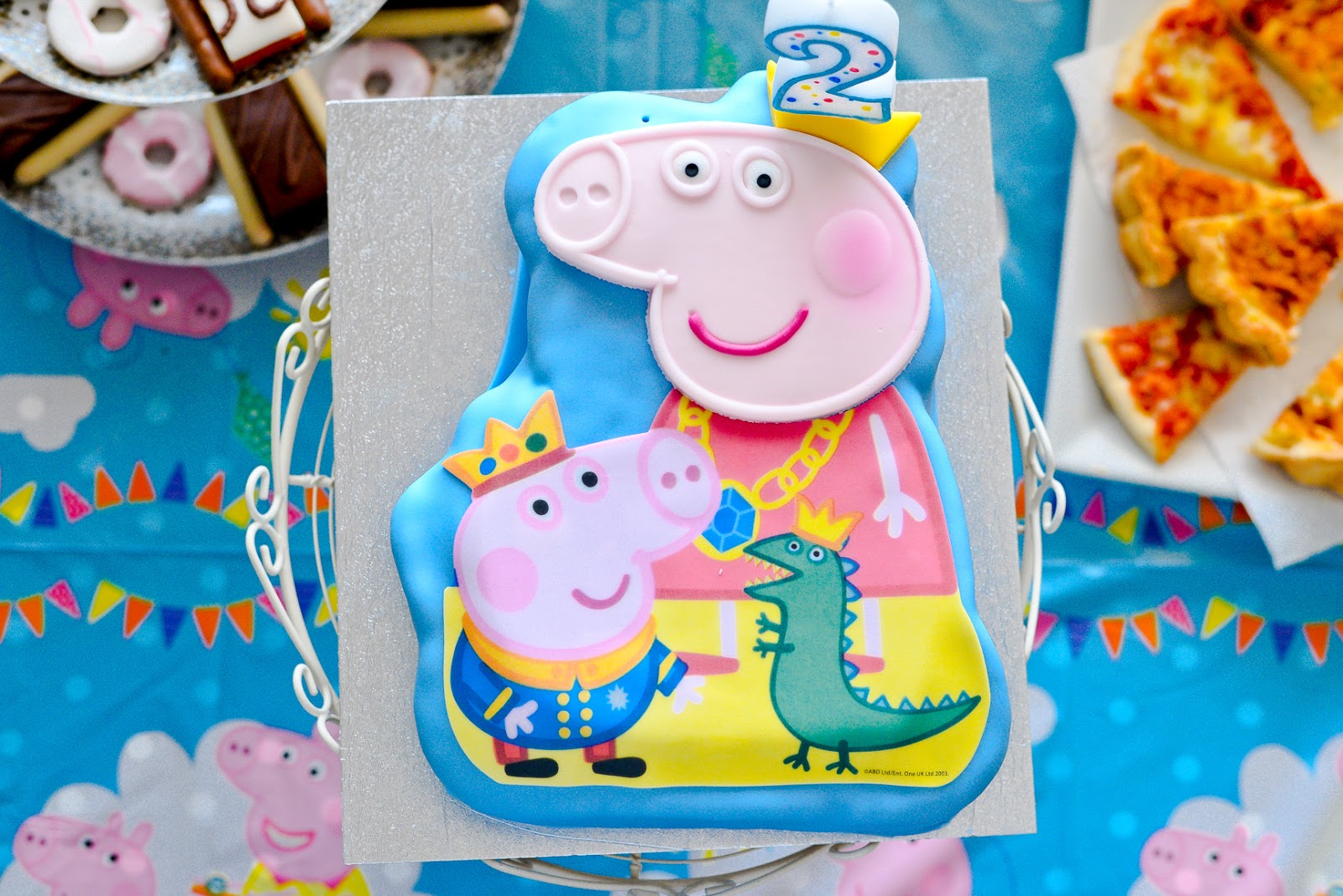 peppa pig birthday cake, 2nd birthday party,