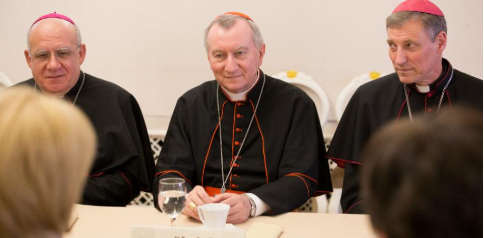Cardenal Pietro Parolin, secretario de Estado del Vaticano, en conferencia de prensa
