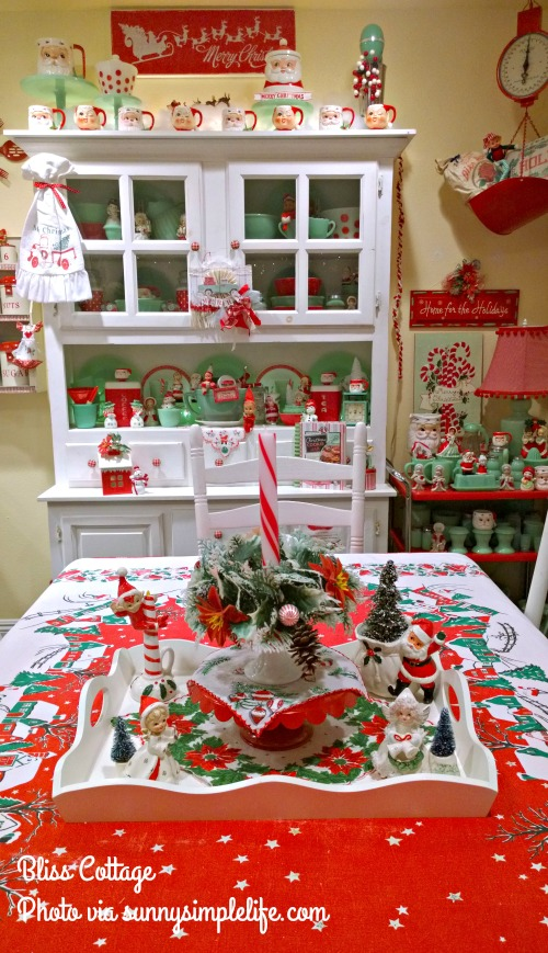 jadeite collection, Christmas hutch, jadeite and red