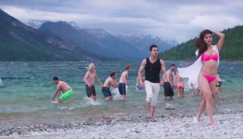 Sanam Re Pulkit Samrat and Urvashi Rautela Hot Bikini at Beach