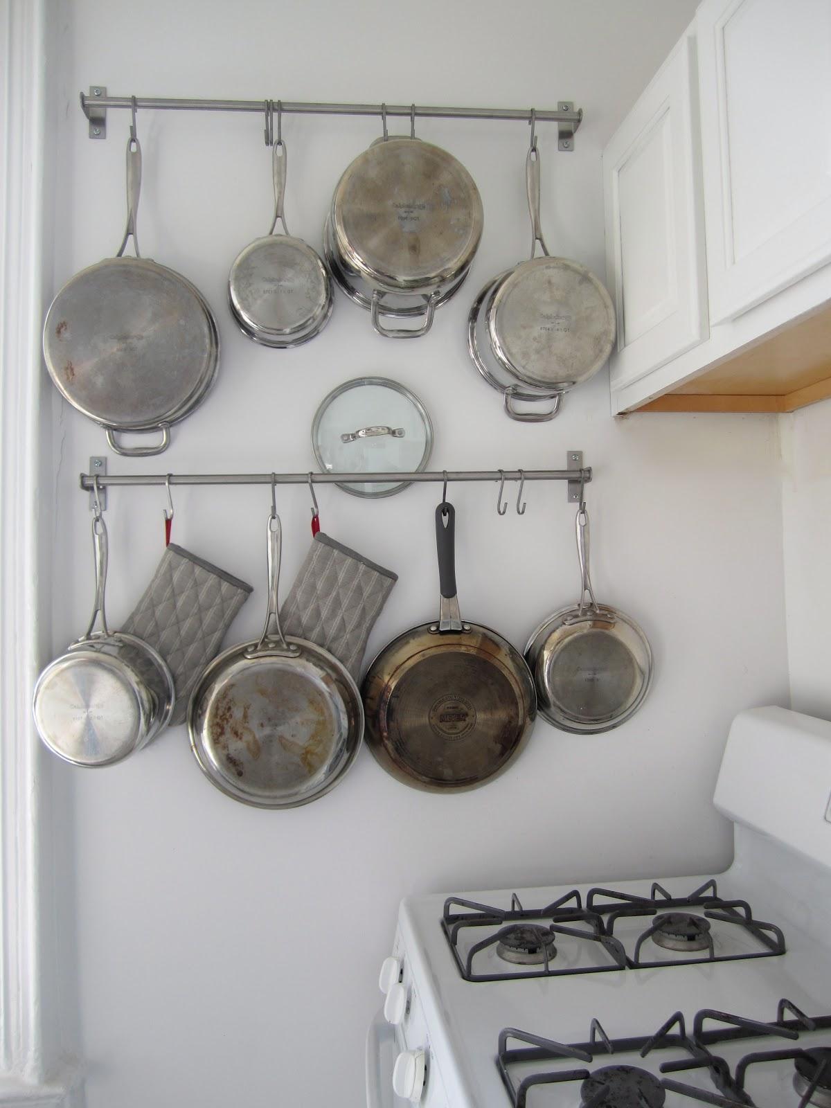 T H E O R D E R O B S E S S E D Hanging Pots Pans Storage