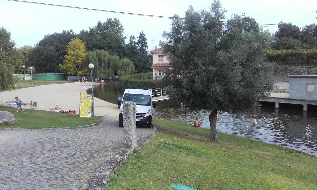 Acesso á Zona fluvial para carros