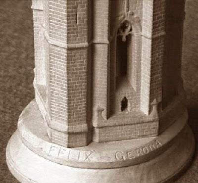 Cuarto juego de ajedrez, campanario de San Félix de Girona, torre blanca