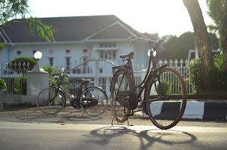 foto sepeda menggunakan lensa manual lebih berdimensi