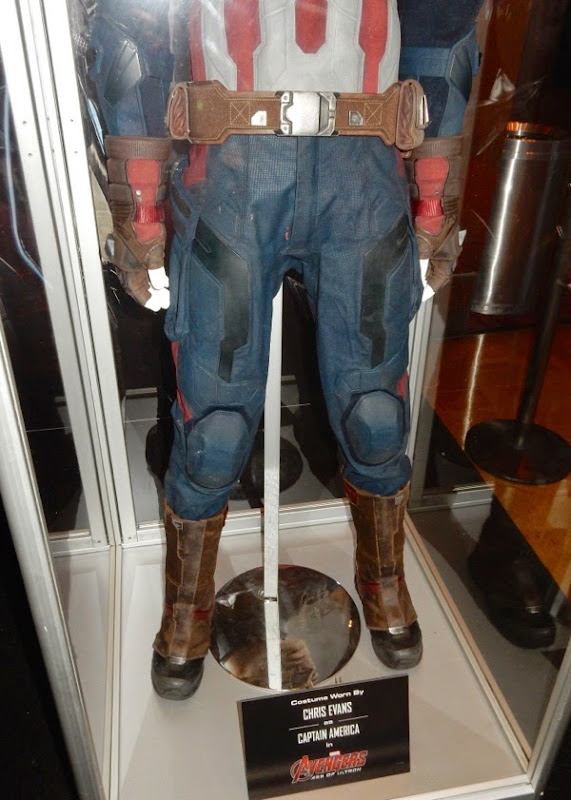 Captain America leg costume detail Avengers Age of Ultron