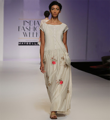 Find Out How To Don Indian Ethnic Wear In Street Style Fashion