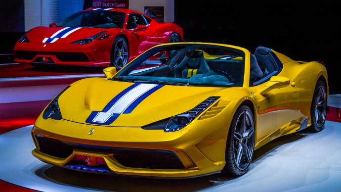 Wallpaper: The Red and Yellow Beauty - Ferrari 458 Speciale