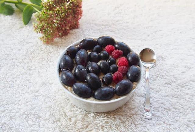 owsianka, komosanka, teff, sniadanie, winogrona