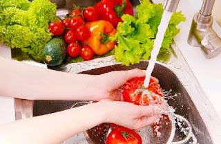 Bahaya Makanan Yang Tidak Dicuci atau Dimasak Dengan Baik