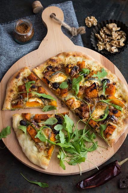 Pizza au potimarron, chèvre et noix