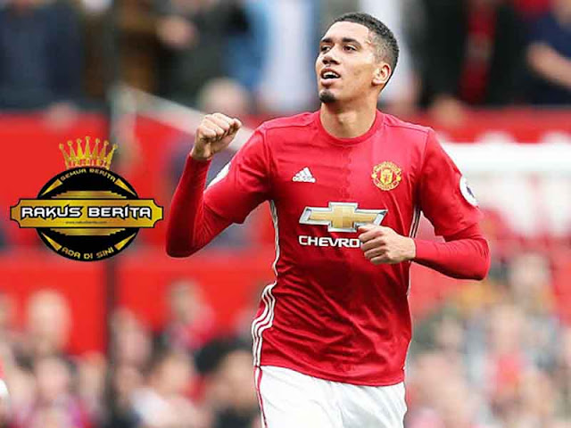 Sususan Tim Impian Manchester United Pilihan Smalling