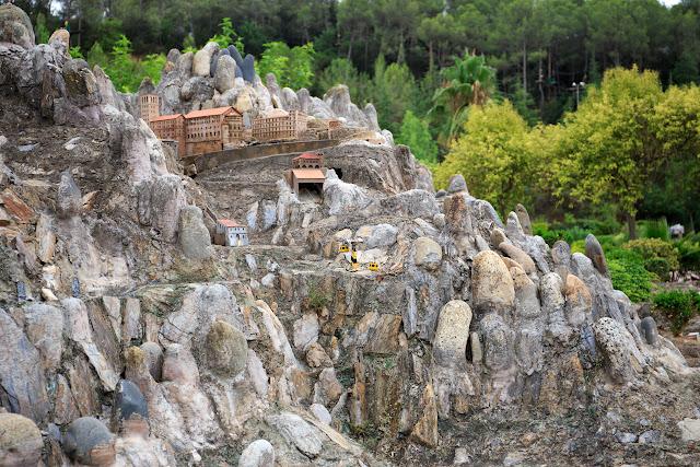 "Парк ""Каталония в миниатюре"" (El parque Catalunya en miniatura)"