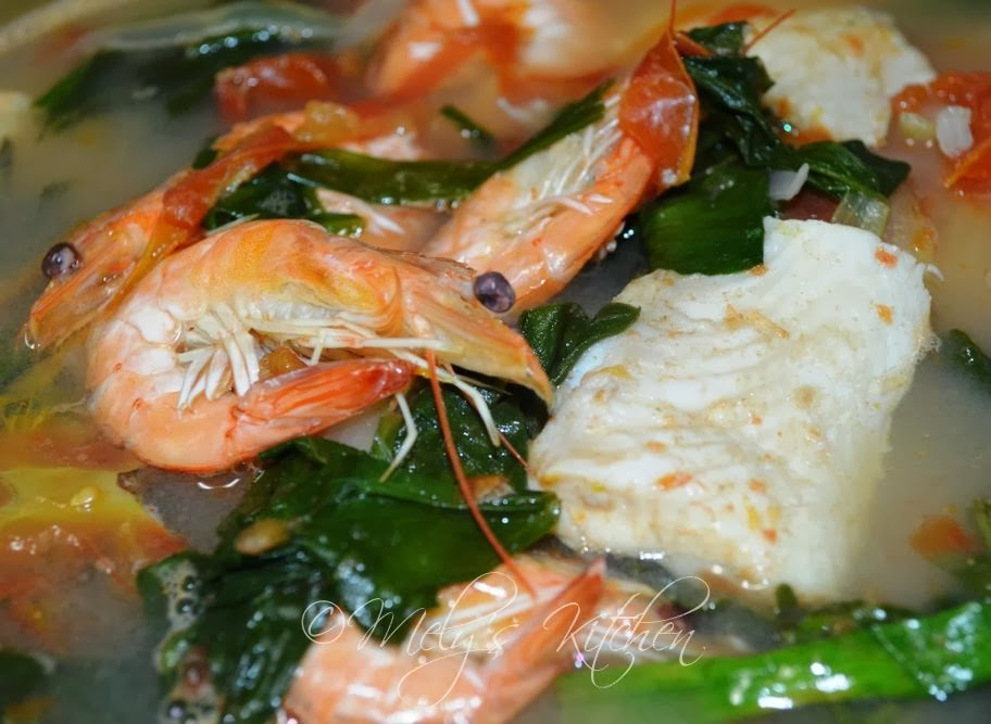 Fish and Shrimp Sinigang - Mely\'s kitchen