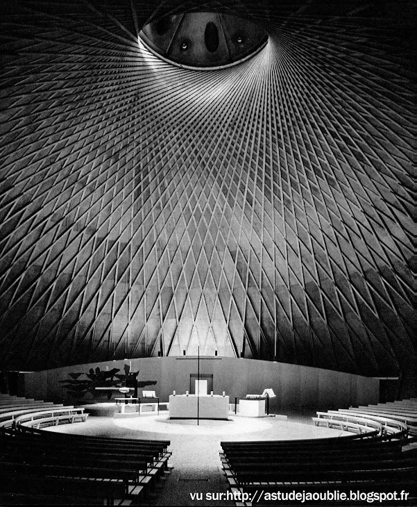 Eglise St Jean - Grenoble  Architecte: Maurice Blanc  Date: 1965 (restauration de la toiture en 1979)   Pierre et Vera Székely