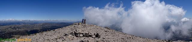 Ruta al Pico La Sagra desde el Área Recreativa de Las Santas.