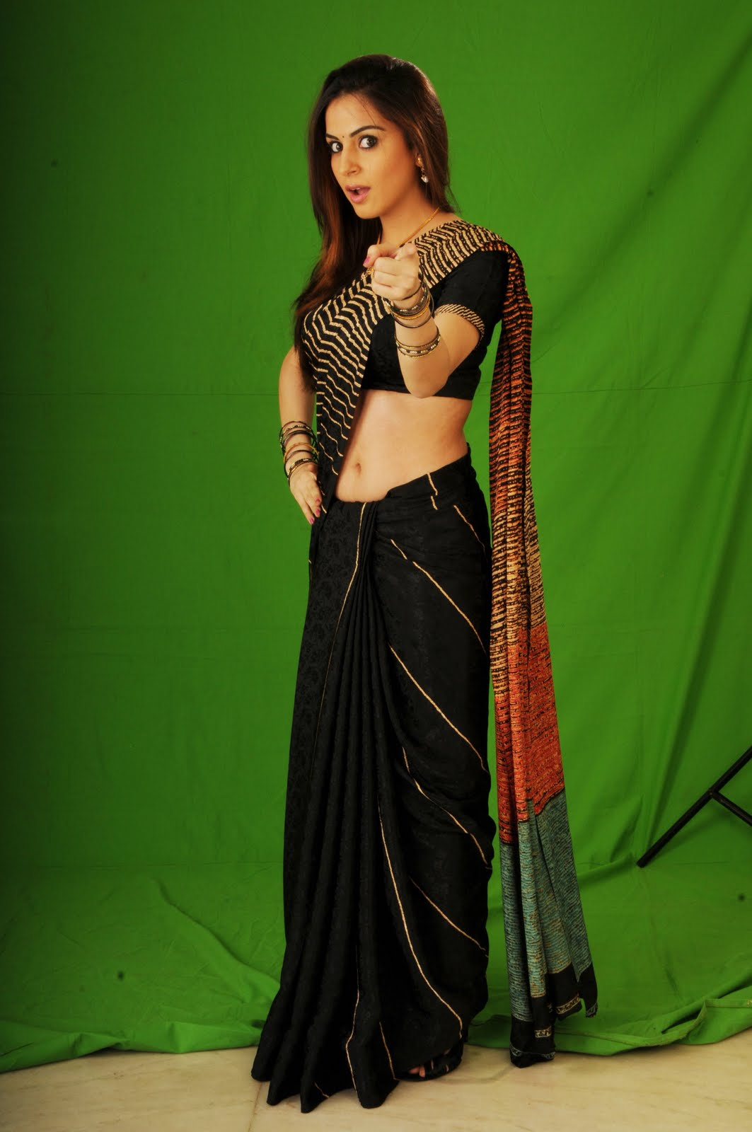 Bollywood Actress World (Original): Shraddha Arya Hot