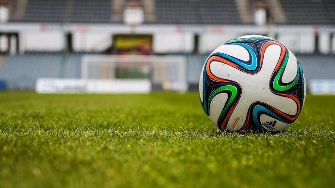 Wallpaper: Football or Soccer Balls