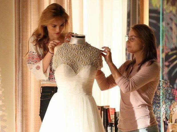 Sete Vidas (Isabelle Drummond), Julia vestido de noiva