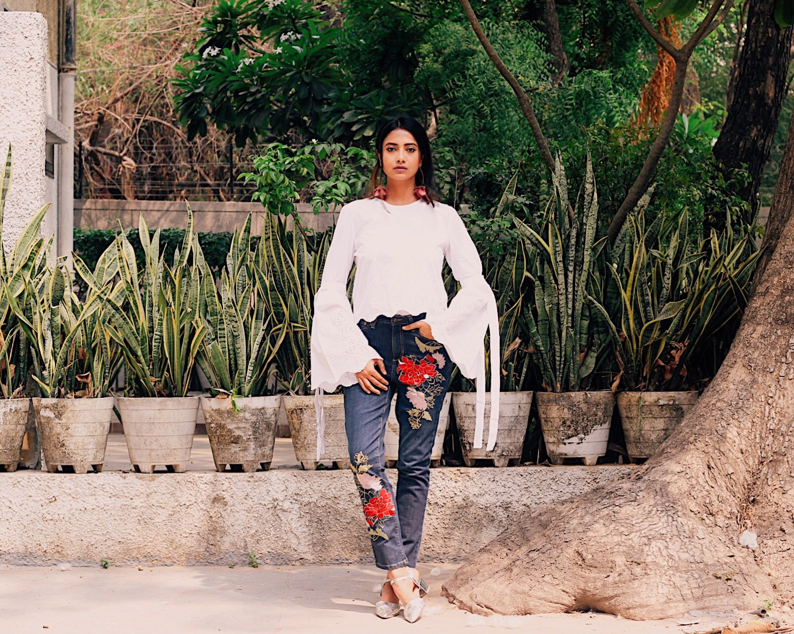 straight leg jeans, jeans trends ss17, jeans trend 2017, how to style jeans, wear jeans, eshakti, eshakti review, eshakti india, custom made jeans india, tailor made jeans india, get custom made jean online, customizing jeans, effortless chic, casual, embroidered trend, embroidered jeans, street style, statement white top, updated white top, bell sleeve top, trends ss17, street style india, india fashion, top style india, indian fashion blogger, indian style blogger, top indian blog, uk blog, what to wear in ss 17, what to wear, how to style, style tip, parisian style, london street style