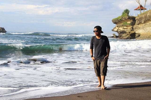 foto pantai batu hiu pangandaran
