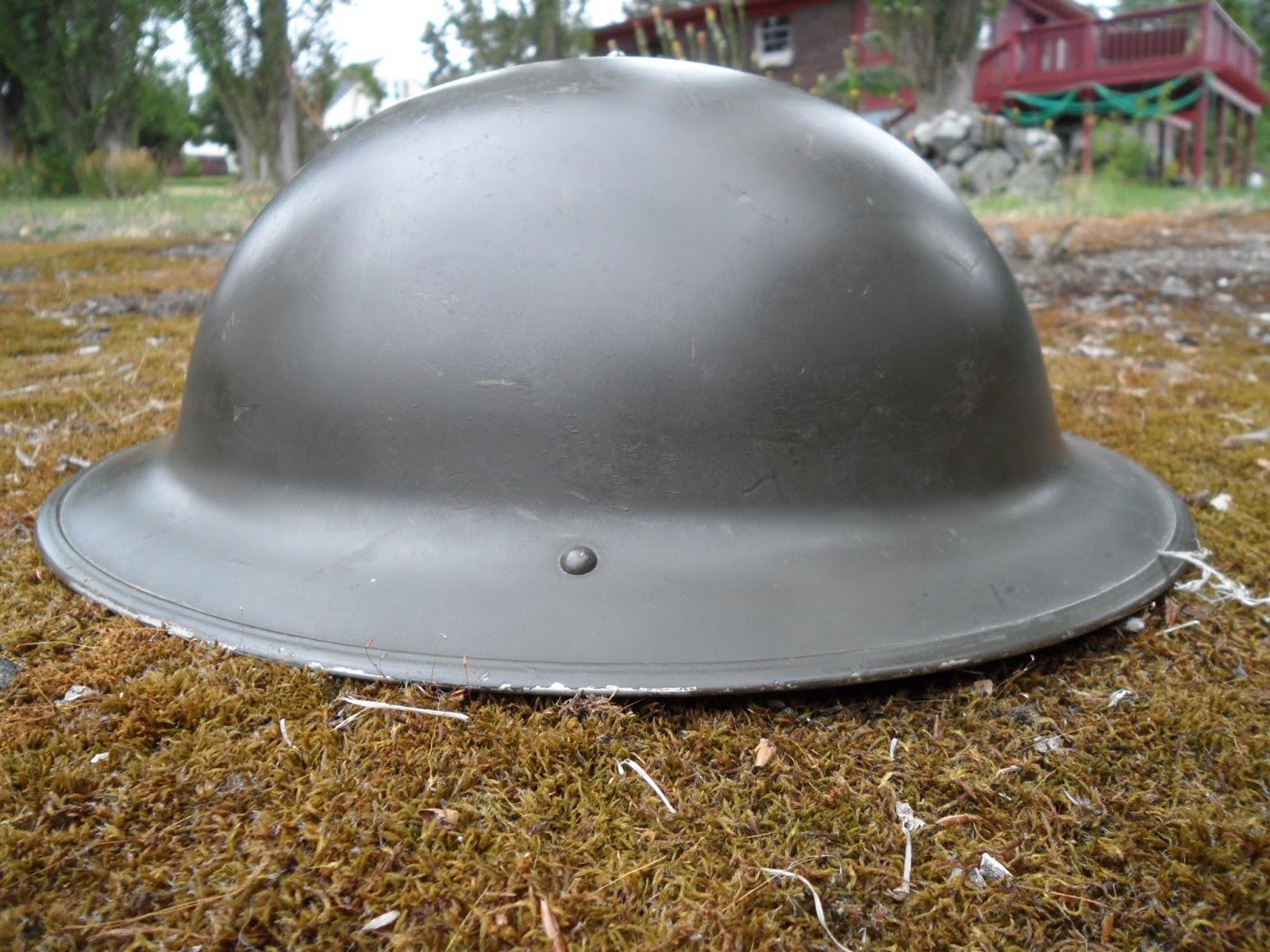 Four Bees: Canadian Brodie Helmet, Mk II, WW2 - Korean War era, 1942