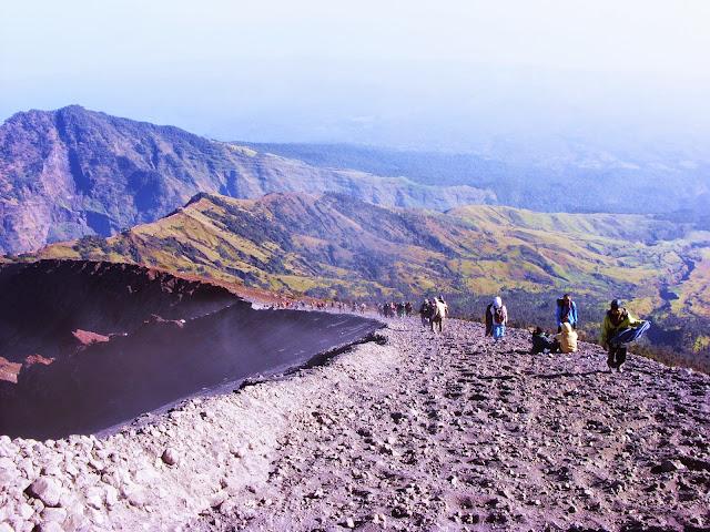 trek pendakian gunung rinjani