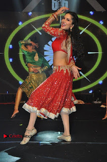 Bollywood Actress Model Sunny Leone Dance Performance in Red Half Saree at Rogue Audio Launch 13 March 2017  0041.jpg