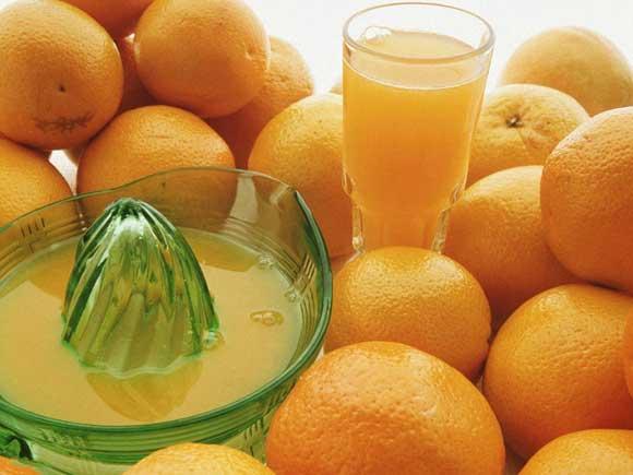 сок из половины апельсина.
