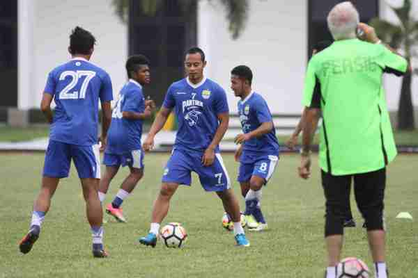 Persib Bandung Latihan