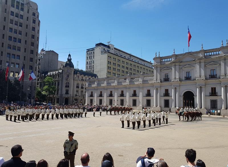 Troca da Guarda Santiago, Palacio de la Moneda