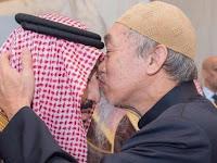 Inilah Sosok Mualaf Berdarah Cina yang Cium Kening Raja Salman