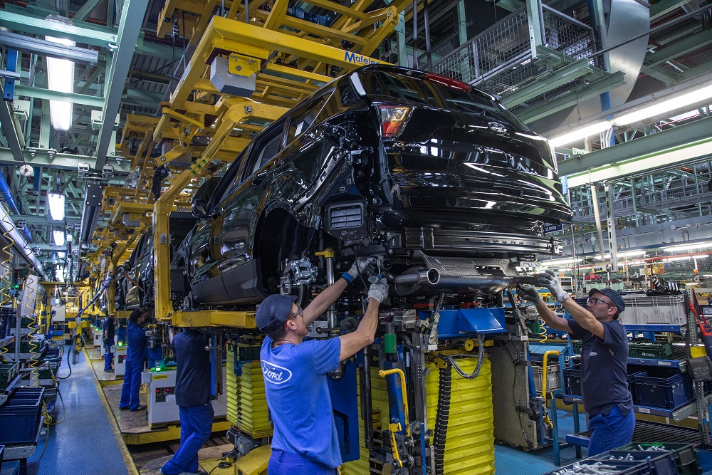 Ford invests $870 million to build the Kuga in Valencia