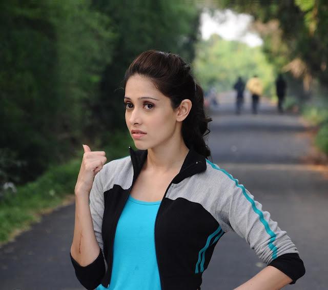 Sonu Ke Tittu Ki Sweety actress Nushrat Bharucha Sexy & HOT Photos