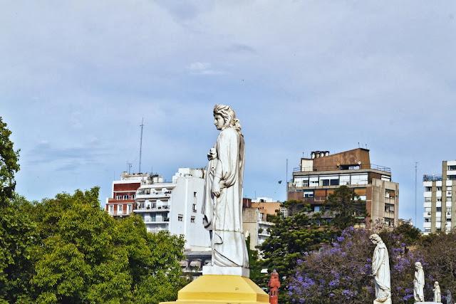 Esculturas en terraza Iglesia del Pilar