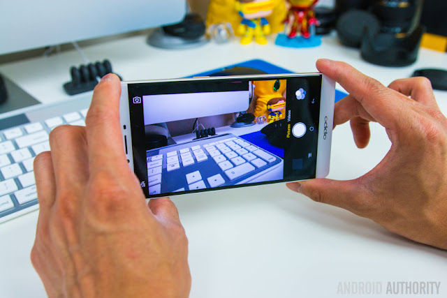 Dapatkan pengalaman selfie terbaru dengan Oppo R7 dari Blibli.com