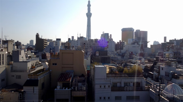 Pemandangan Tokyo Skytree dari Rooftop