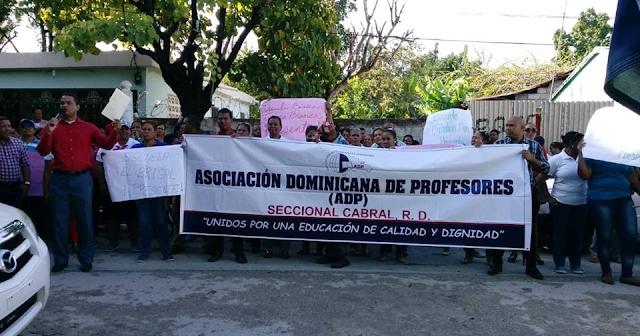 Cabral: Presidente seccional  ADP  desmiente hayan pedido destitución de directora de distrito por maltrato a docentes