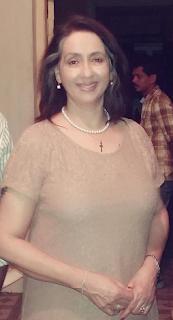Neena Kulkarni age, husband, family photos, hot marriage, husband name, movies, son, biography