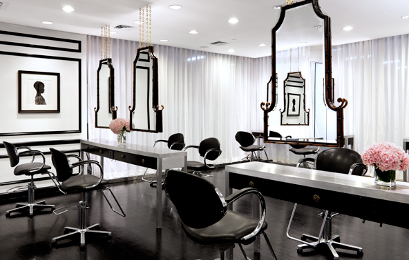 Interior salon designs 5 black white salon design ideas for Photos salon design