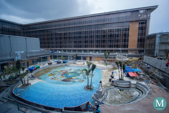 construction of the outdoor swimming pool of Hilton Manila